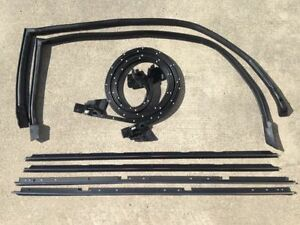 81-88 Monte Carlo with Narrow Chrome 8 PC Weatherstripping Seal Kit