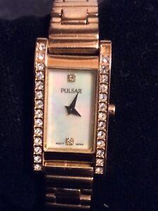 Ladies Pulsar Quartz Watch with Rose Gold Tone Bracelet Style Strap.