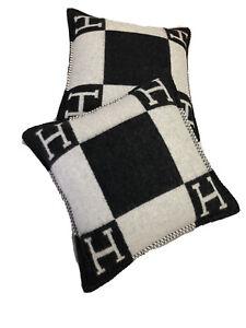 Hermes 2 Black Cushions