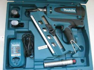 Makita Akku-Gasdrucknagler GN900SE Gasnagler GN900 2 x Akku 7,2 V 1,5 Ah