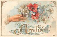 CPA fantaisie  - Amitié - Main tenant des fleurs