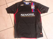 Umbro neu Trikot Olympique Lyon (Lyonnais) schwarz Jr. Größe 158 cm Wunschflock