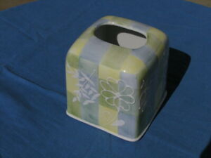 Vintage Wamsutta Porcelain Tissue cover / holder HP Checkered w/ Raised Flower