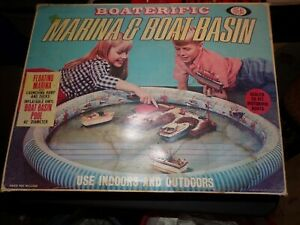 Vintage 1968 Ideal BOATERIFIC Marina & Boat Basin w/Box  Inflatable  motorific