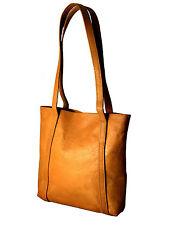 Unifarben im Schultertaschen-Stil aus Leder mit Innentasche(n)