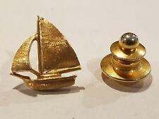 beautiful solid 14-karat gold sailboat pin