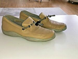 Prada Ivory Leather Loafer, made in Italy Womens EU Size 38.5 beige