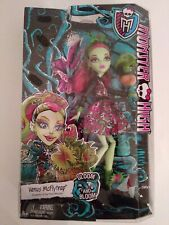 Monster High VenusMcFlytrap Daughter Of The Plant Monster Gloom And Bloom