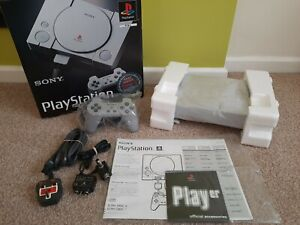 PlayStation 1 PS1 games console bundle boxed - fantastic condition