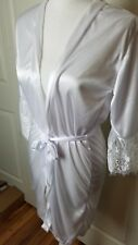 White Silky Robe with Belt Size Large 100% Cotton Lace Detail EUC Free Shipping
