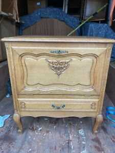 FRENCH CARVED OAK LOUIS XV DRINKS CABINET / TV STAND