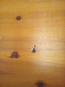 9ct Gold Black Pearl Pendant