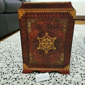 travelling chest replica from uncharted 3 drakes deception US collectors edition