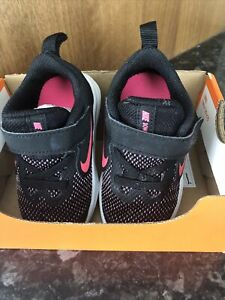 BABY GIRLS NIKE TRAINERS SIZE 4.5 *excellent Condition*