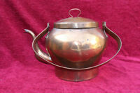AN ANTIQUE FRENCH VINTAGE COPPER KETTLE IN GREAT CONDITION LARGE SIZE