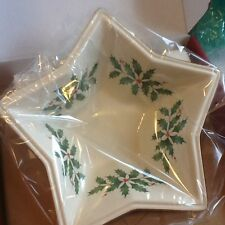 Lenox Cream Holiday Holly & Berries 8� Star Bowl - Nib