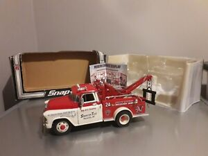 Rare Snap-on 1955 Chevy Tow Truck 40th Anniversary 1:24 Scale Die cast Replica