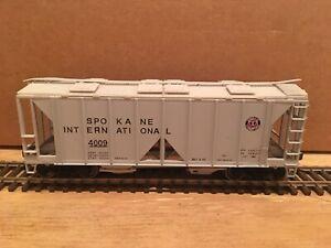 HO Bowser Spokane International 70-Ton 2-Bay Covered Hopper #4009 Metal Wheels