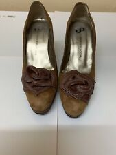 brown shoes Size 35
