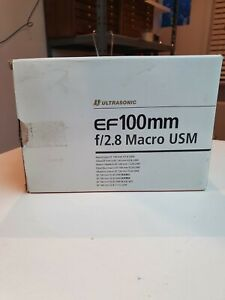 CANON LENS EF 100mm f2.8 MACRO  USM IN PERFECT CONDITION, BOXED