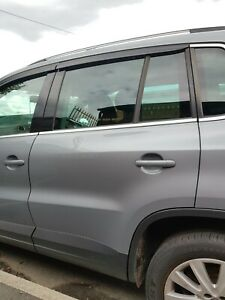 GENUINE 2008 VOLKSWAGEN VW TIGUAN NS PASSENGER REAR DOOR COMPLETE LR7N
