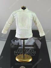 Hot Toys MMS390 Star Wars Luke Skywalker 1/6 action figure's shirt
