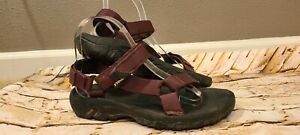 Teva women's Purple Hiking Sandals SZ 6