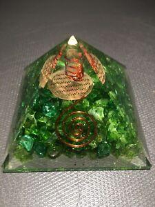 Orgonit Pyramide gefärbter Bergkristall Reichtumsenergie progr Agnihotra B Ware