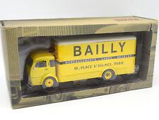 Ixo Presse Camions d'Autrefois 1/43 - Simca Cargo Déménagements Bailly