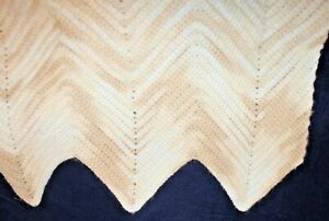"""VINTAGE HOMEMADE AFGHAN tan white ombre zigzag crocheted lap size 42 x 48"""" throw"""