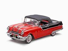 1955 Pontiac Starchief Red Black 1:18 SunStar 5054