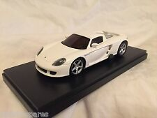 KYOSHO Dnano ASC MM WHITE PORSCHE CARRERA GT, 1:43 DISPLAY MODEL, DNX503W