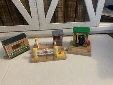Thomas and Friends Wooden Railway Wellsworth Road Crossing More