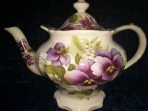 RARE Vintage Pansy Floral SADLER TeaPot 6 cup Fluted High Base - Bone China