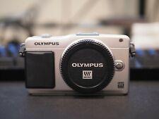 OLYMPUS PEN E-PM2 Silver Digital Camera 16mp (BODY ONLY)