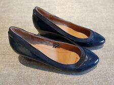 Fiore size 5 (38) navy blue faux patent leather wedge heel court shoes