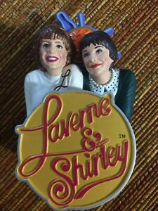 Laverne & Shirley Pizza Bowl Nice Decoration Play One Song  For 40 Secs