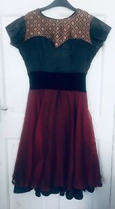 East Meet West Black & Red Party Dress / Size 8 - 10