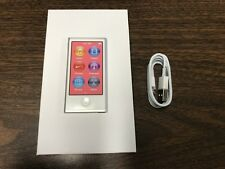 New Apple iPod nano 7th Generation Silver (16 GB)