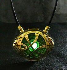 Doctor Strange Amulet Pendant Eye of Agamotto Glow in the Dark 7 cm x 5.5 cm