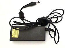 Chargeur TOSHIBA PA3714E-1AC3 genuine original G71C0009S111 sans power cable