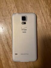 Samsung Galaxy S5 16GB - White (Unlocked) Smartphone works great