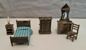 1/48th Scale Miniature Dolls House Bedroom Furniture