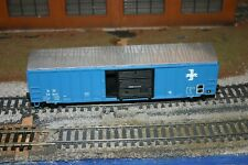 HO Scale custom painted Boston and Maine / B&M Athearn/Roundhouse 50' Boxcar