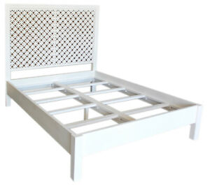 """85"""" Pasqualina Queen Bed Traditional White Paint Finish Solid Acacia Wood"""