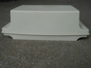 TUPPERWARE White  COVERED BUTTER DISH  Vintage with Lid