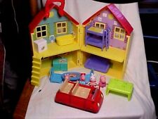 PEPPA PIG PLAY SET WITH CAR