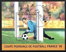0098+ TIMBRE GUINEE  BLOC  COUPE DU MONDE DE FOOT 98