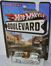Boulevard - 1955 CHEVY CORVETTE - white/gold flames - 1:64 Hot Wheels