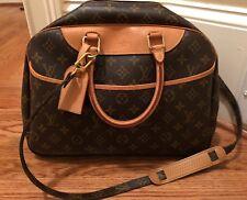 Authentic Louis Vuitton Deauville Monogram Bag With Shoulder Strap Nice !